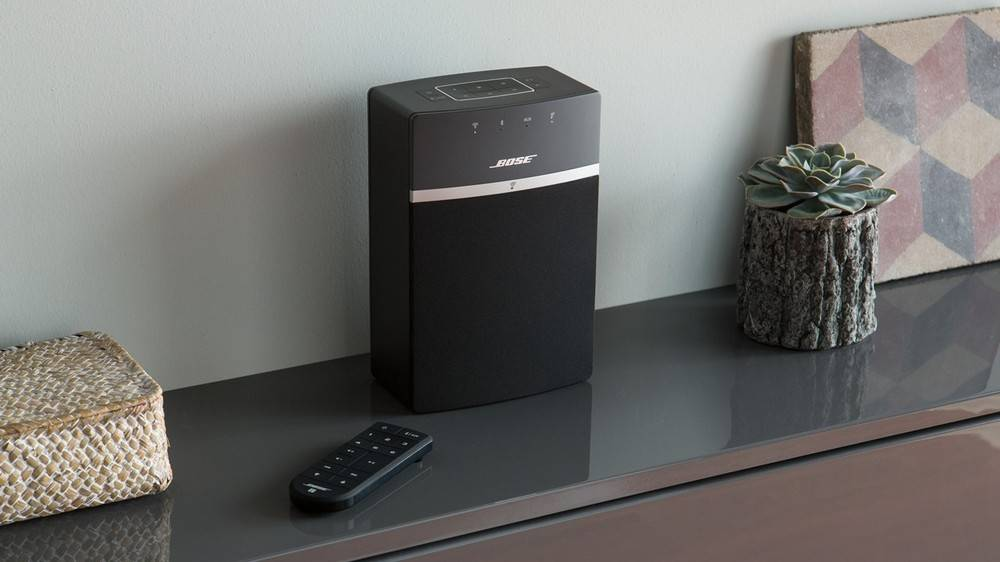 Bose SoundTouch 10 comes with an optional surround sound setting