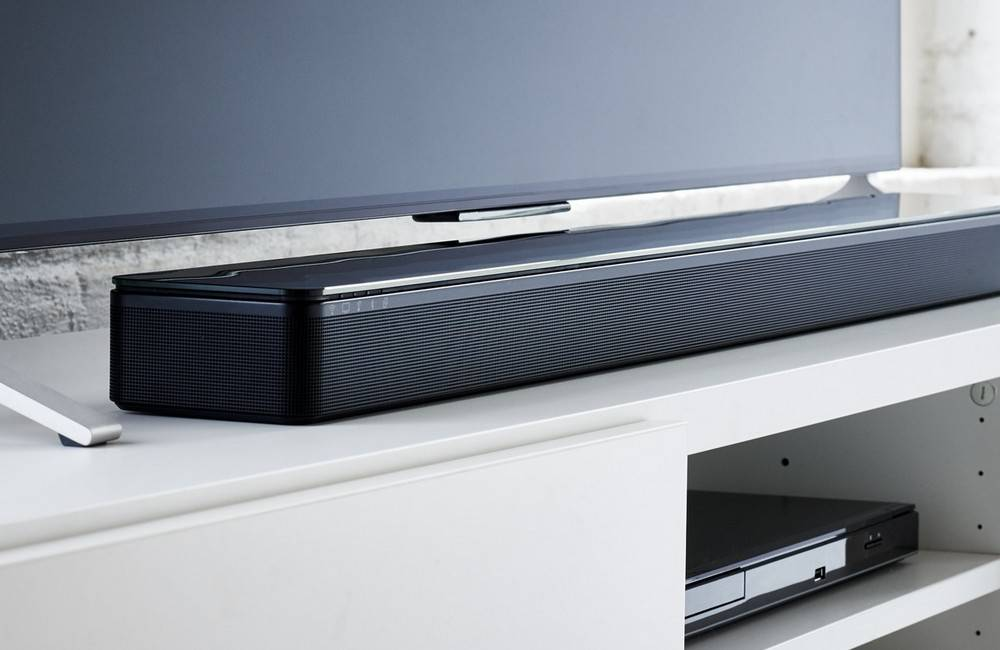 Bose SoundTouch 300 has a glossed glass top