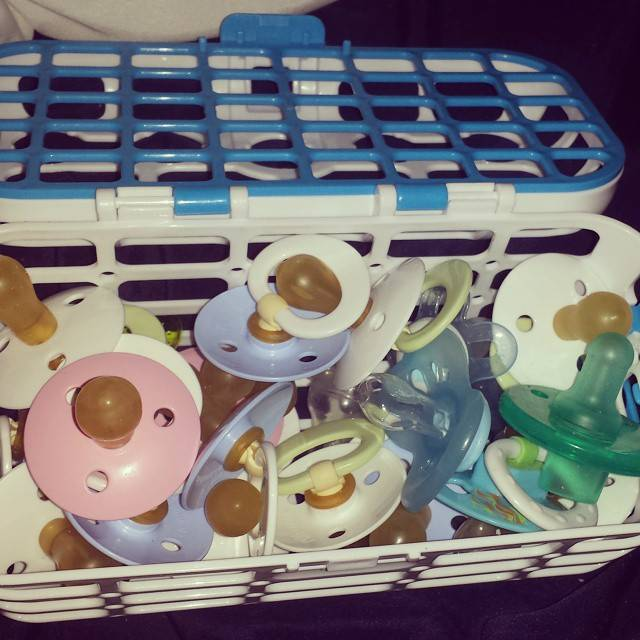 Munchkin Dishwasher Basket for Baby Bottle