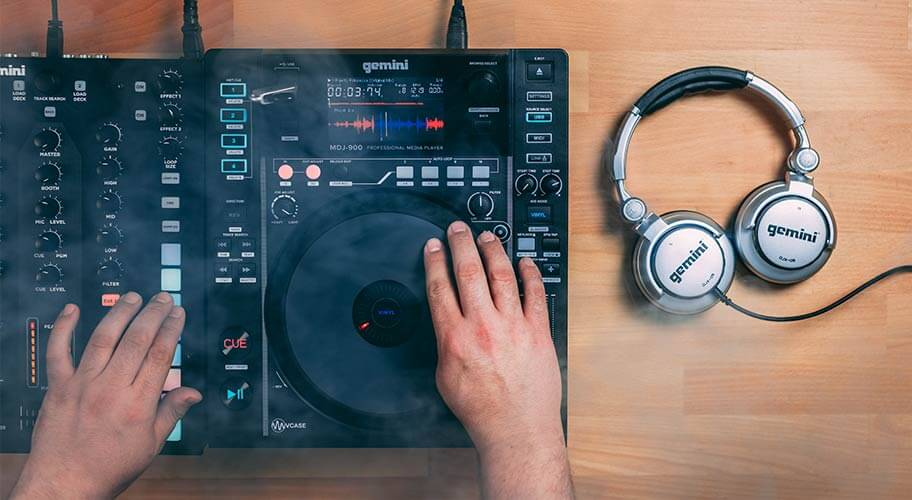 Turntable for djing -