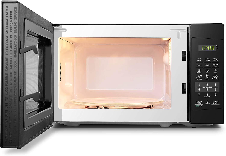 COMFEE' 700 Watt Microwave Inside View